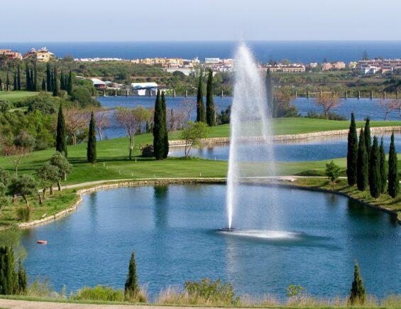 Play surrounded by the beauty Mediterranean sea – Villa Padierna
